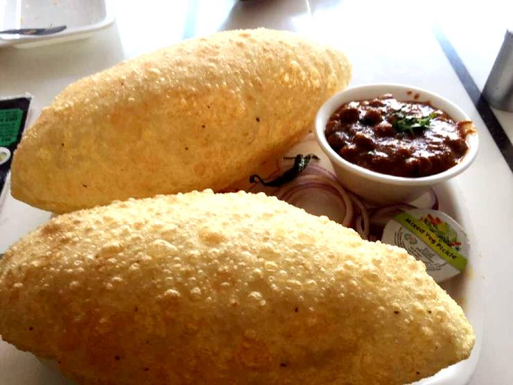 kanha chole bhature Best Breakfast Places in Jaipur